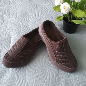 Easy Spirit Sneakers TravelTime Classic Clog 7.5